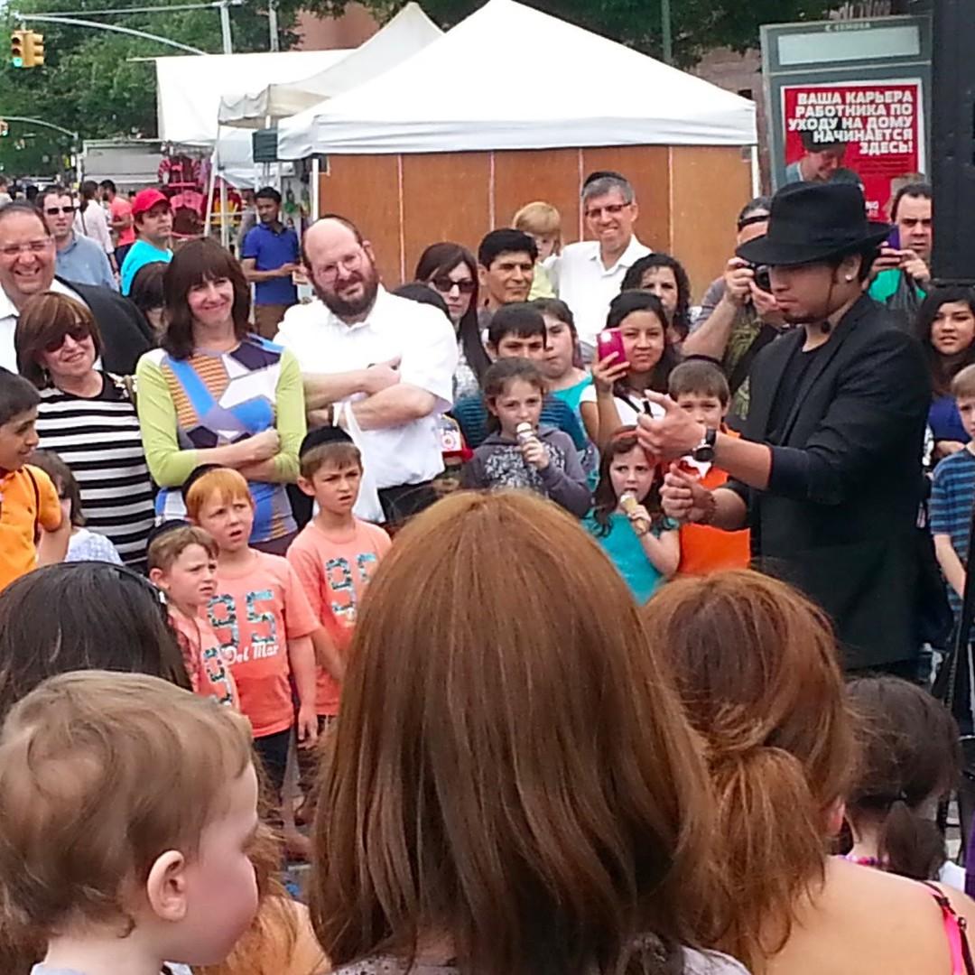 MORE MARDI GRAS! Magician Apollo Riego captivated the crowd athellip